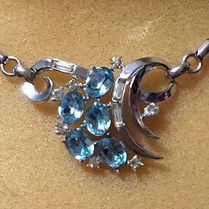 Beautiful blue & clear rhinestones necklace
